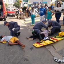 27/05/2015,Colisão entre moto X carro deixa dois feridos na Castelo Branco.
