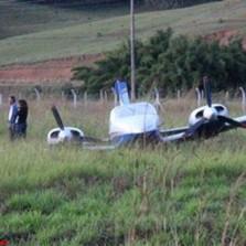 29/05/2015,Avião sai da pista durante aterrissagem em Viçosa.