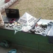 Polícia recupera produtos roubados e apreende drogas no Bela Vista