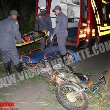 Motoqueiro sofre acidente próximo do Tiro de Guerra.