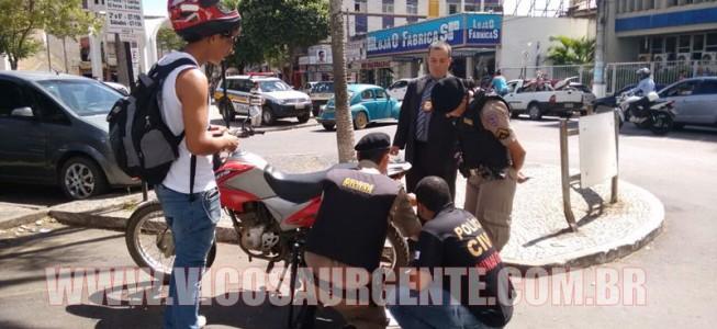 Polícia militar e civil realizam operação no Centro