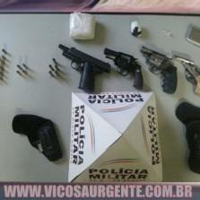 PM apreende armas e drogas em Visconde do Rio Branco