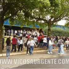 Professores da UFV aprovam paralisação para segunda e terça-feira