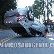Condutor com sinais de embriaguez sofre acidente em Teixeiras