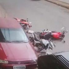 Câmera de segurança flagra acidente no bairro de Fátima