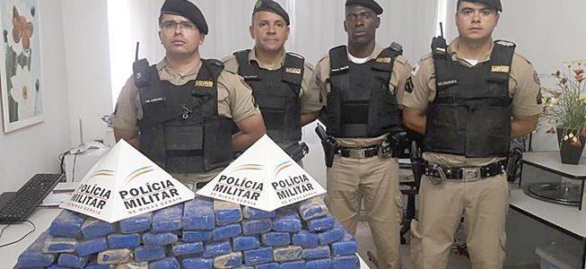 Polícia militar apreende 50 barras de maconha no BJ