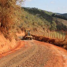 Estradas rurais de Viçosa recebe novo tipo de cascalhamento