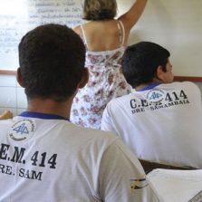 Maioria no ensino médio não aprende o básico de português e matemática
