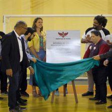 Prefeitura reinaugura ginásio do Complexo Esportivo Municipal
