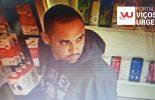 Câmeras flagram roubo de celular em loja no Centro