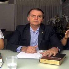 Bolsonaro diz que cumprirá promessas e governará com a Constituição