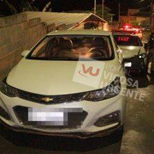 PM recupera veículo roubado e prende autores no Romão dos Reis
