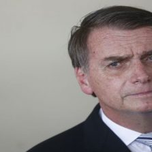 """Bolsonaro diz que não colocará """"tropa na rua sem retaguarda jurídica"""""""