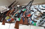 PM apreende grande quantidade de armas em Ervália