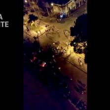 """Ação e reação: Polícia Militar é recebida com garrafadas e pedradas no """"Rolezinho"""" da Santa Rita"""