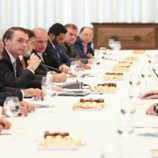 Previdência: Bolsonaro e líderes debatem eventuais mudanças na reforma