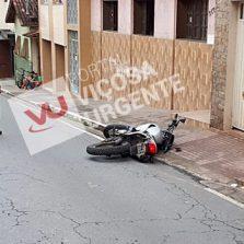 Motoqueiro foge da PM e sofre acidente grave na Rua dos Passos