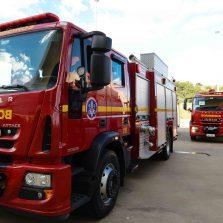 Romeu Zema entrega viaturas para o policiamento Rodoviário, de Meio Ambiente e para o Corpo de Bombeiros de Minas