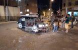 Colisão envolve carro e moto na rotatória da avenida Joquim Lopes de Faria