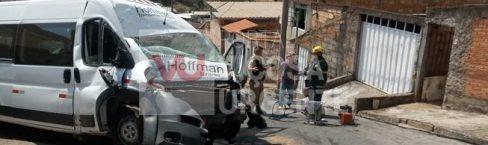 Conselheiro Lafaiete: acidente com Van deixa motorista ferido