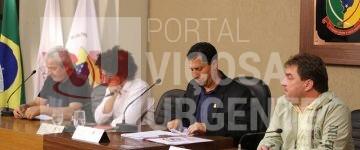 Diretor do SAAE presta esclarecimentos aos Vereadores