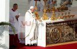 Dez mil brasileiros participam da canonização da Irmã Dulce