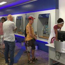 Bancos funcionam hoje e fecham nos dias 31 e 1º