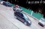 Câmeras flagram furto de automóvel na rua dos Estudantes