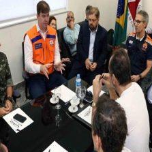 Romeu Zema e ministro do Desenvolvimento Regional, Gustavo Canuto, sobrevoam regiões mineiras afetadas pelas chuvas