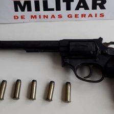 Comerciante é preso por posse irregular de arma em Canaã