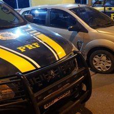 PRF recupera veículo clonado durante comando de fiscalização de alcoolemia