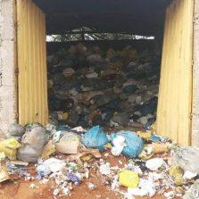 Cajuri: Polícia do meio ambiente descobre deposito clandestino de lixo hospitalar