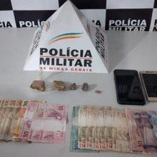 PM apreende drogas no Bairro Dalvo de Oliveira Benfeito em Ponte Nova